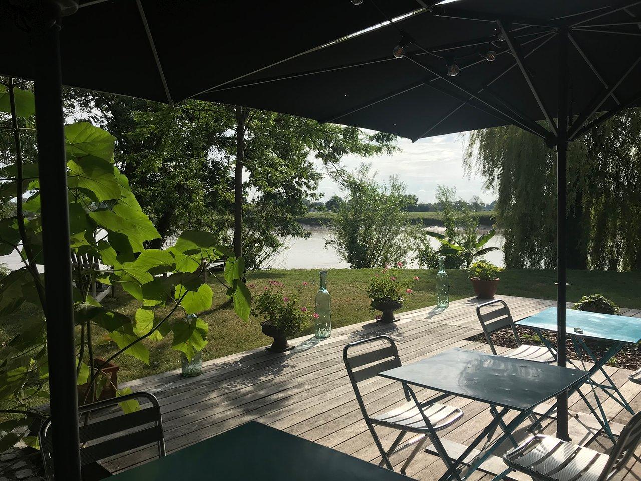 manoir gîte villa chambres d hôtes Maison d'hote de Luxe vue Dordogne St Emilion